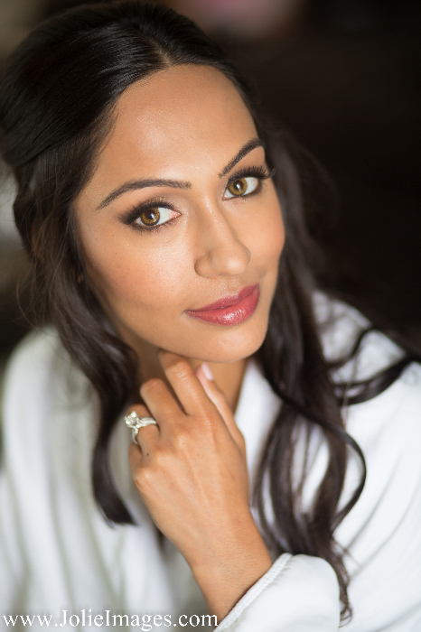 Chicago makeup artist Traci Fine of Fine Makeup Art & Associates provides wedding makeup services to Chicago's Waldorf Astoria Hotel