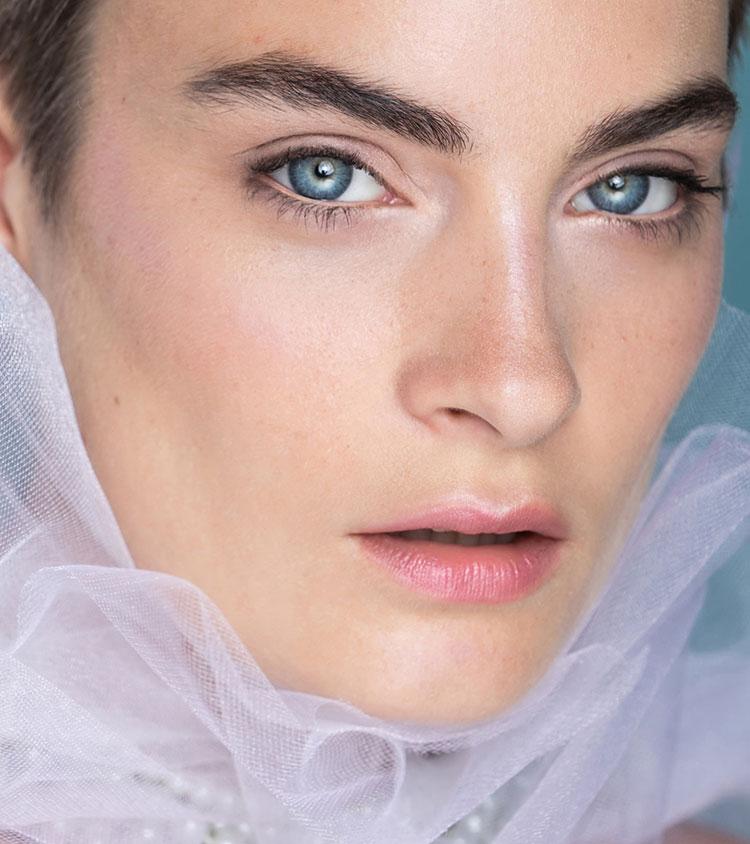 natural makeup and glowy skin